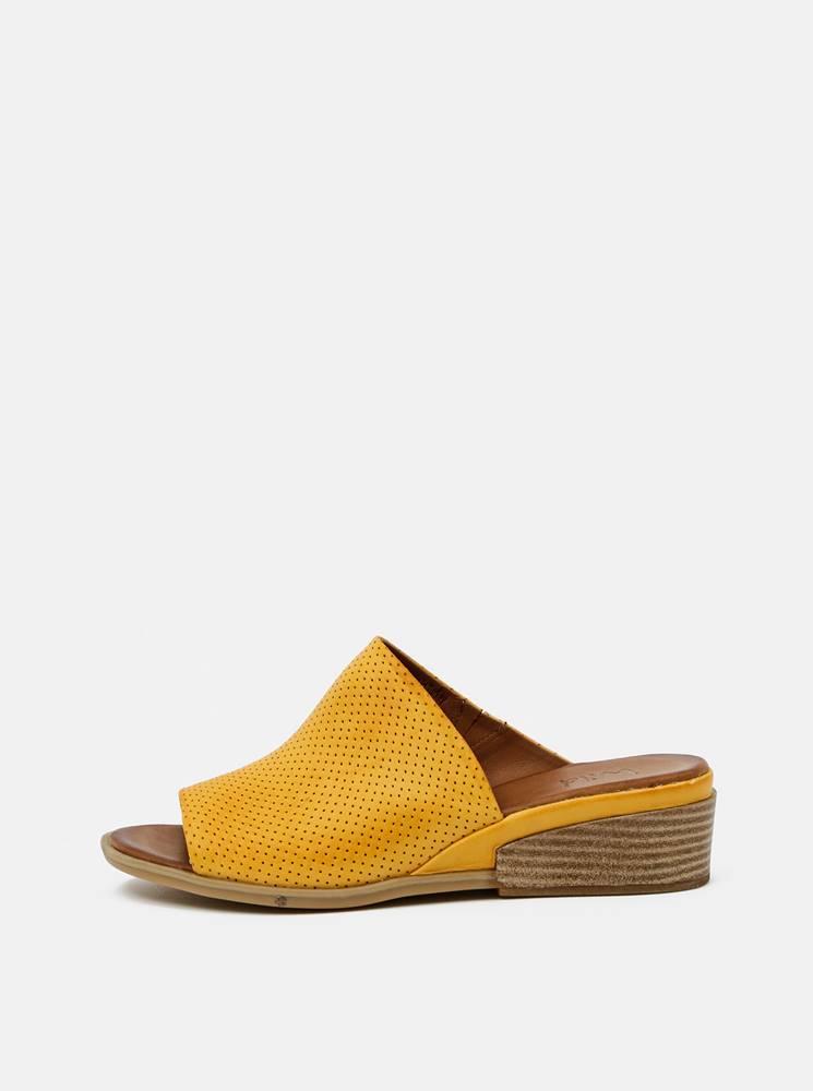 wild Žlté dámske kožené pantofle na plnom podpätku WILD