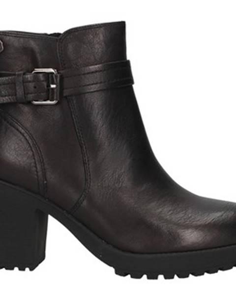 Čierne čižmy Carmela