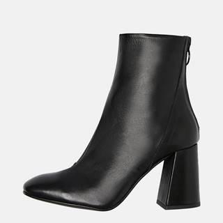 Čierne kožené členkové topánky VERO MODA Cilla