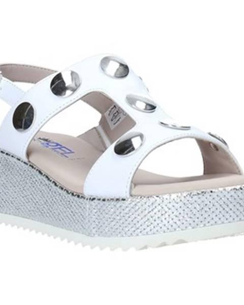 Biele sandále Comart