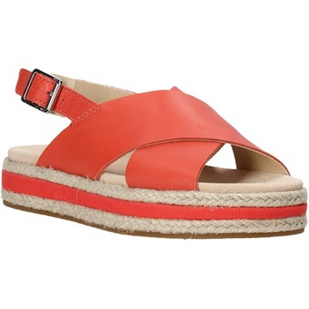Clarks Sandále Clarks  26139246