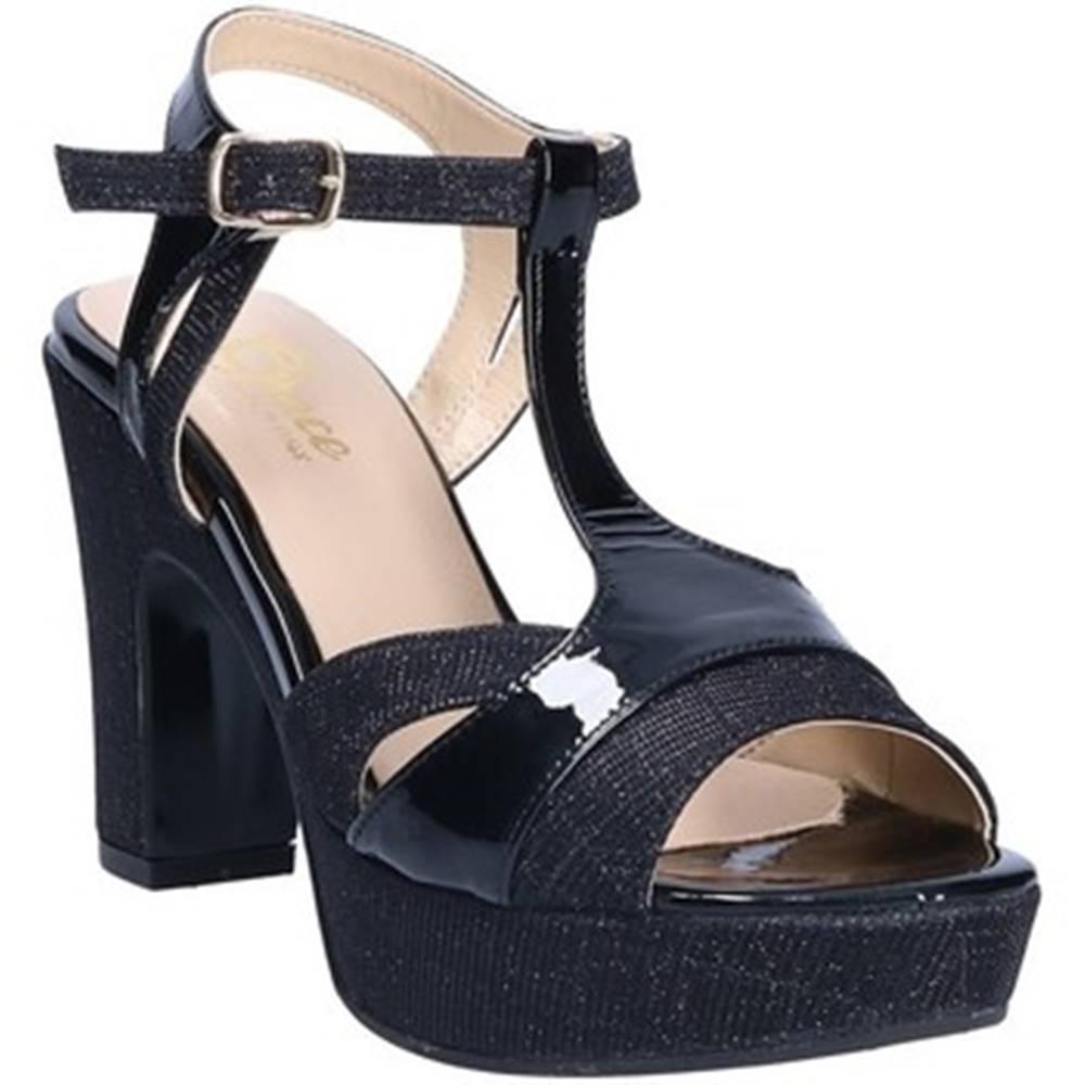 Grace Shoes Sandále Grace Shoes  LN 088