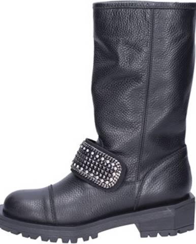 Čierne čižmy Jeannot