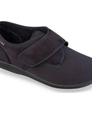 Čierne papuče Mjartan
