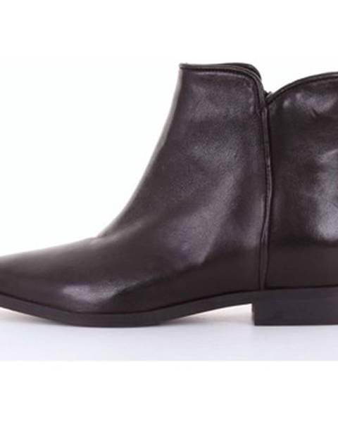 Čierne topánky Keb