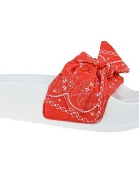 Červené topánky Levis