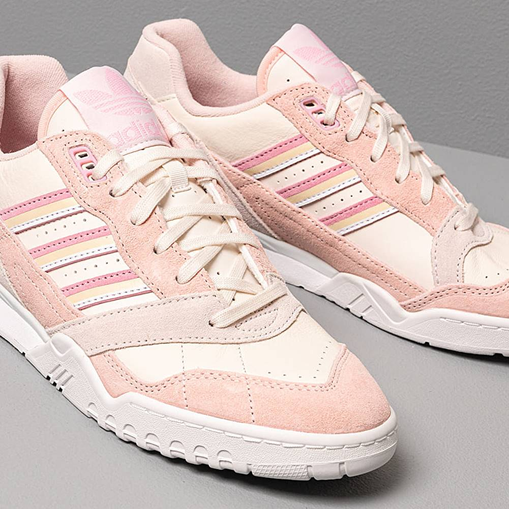 adidas Originals adidas A.R. Trainer W Core White/ True Pink/ Orchid Tint