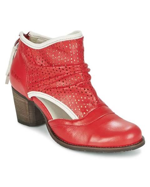 Červené topánky Dkode