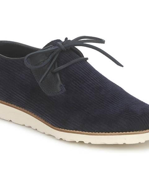 Modré topánky Nicholas Deakins