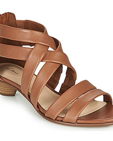 Hnedé sandále Clarks