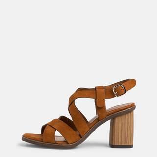 Hnedé semišové sandálky Tamaris